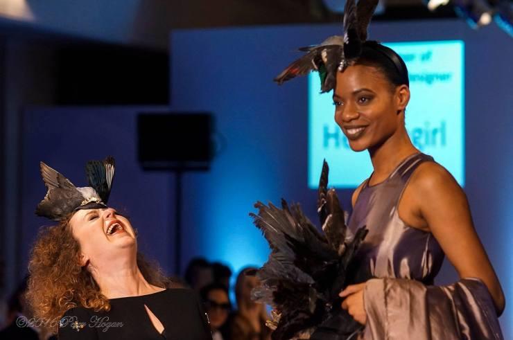 Foto: Peter Hogan Designer: Helen Woollams Model: Natalie Bntm Nwagbo.